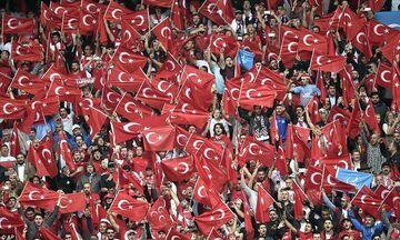Τουρκία-Γαλλία 2-0: Πανηγύριζαν στους δρόμους του Παρισιού οι Τούρκοι (vids)