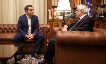 Ο Τσίπρας στον Παυλόπουλο - Ζήτησε προκήρυξη εκλογών (vid)