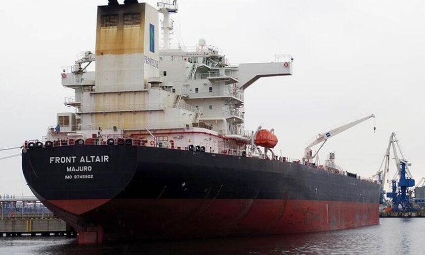 Eκρήξεις σε δύο δεξαμενόπλοια στον Κόλπο του Ομάν
