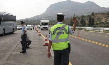 Η τροχαία ανακοίνωσε έκτακτα μέτρα για τους εκδρομείς του Αγίου Πνεύματος