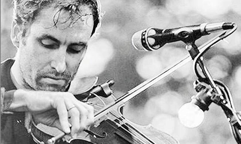 Ροκάροντας με βιολί και... σφύριγμα