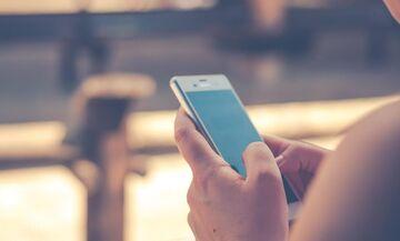 Αυξημένη χρήση του κινητού δημιουργεί «κέρατα»