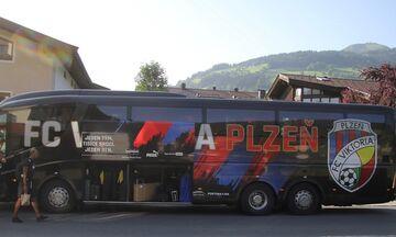 Με πούλμαν ταξίδεψε η Πλζεν στην Αυστρία