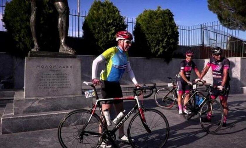 Ο Αμερικανός πρέσβης Τζέφρι Πάιατ έσπασε τα πόδια του με ποδήλατο στη Μάνη