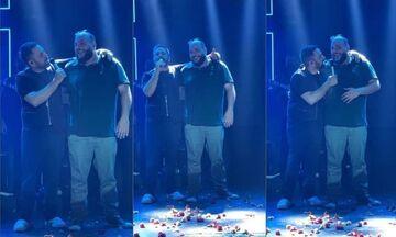 Ο Φάνης Λαμπρόπουλος τραγούδησε παρέα με τον Γιώργο Γιαννιά (vid)