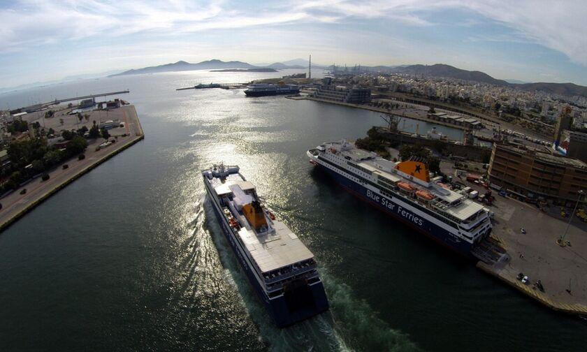 Χαμός στο λιμάνι του Πειραιά - Μποτιλιάρισμα