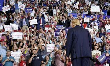 ΗΠΑ: Υποστηρικτές του Τραμπ αποθεώνουν τα «ρατσιστικά» σχόλιά του
