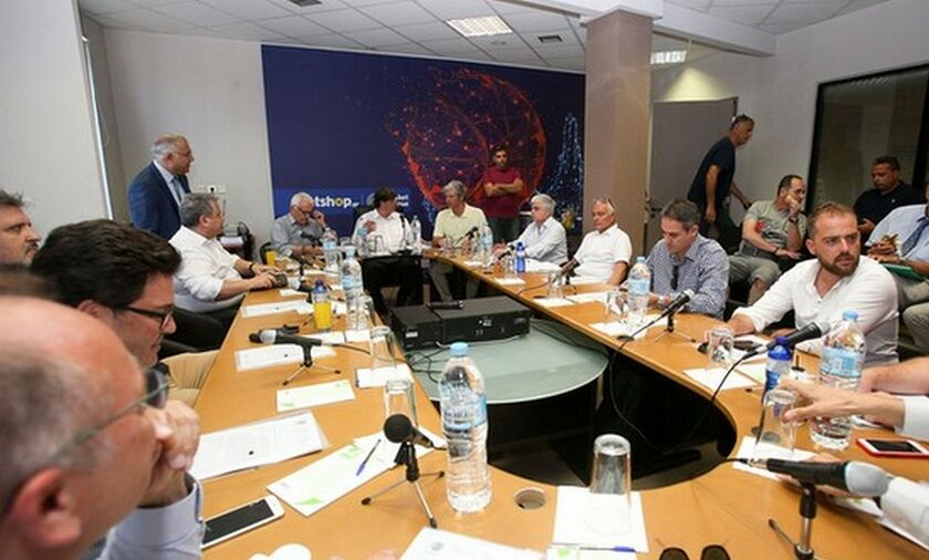 Γαλατσόπουλος: «Δεν διαλύεται η Basket League»