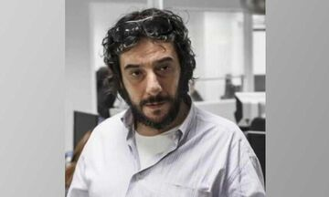 Εφημερίδα Συντακτών: Πέθανε ο δημοσιογράφος Βαγγέλης Καραγεώργος