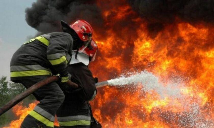 Ενισχύονται οι δυνάμεις της πυροσβεστικής στο Μαρκόπουλο - Υπό μερικό έλεγχο η φωτιά στα Μέγαρα