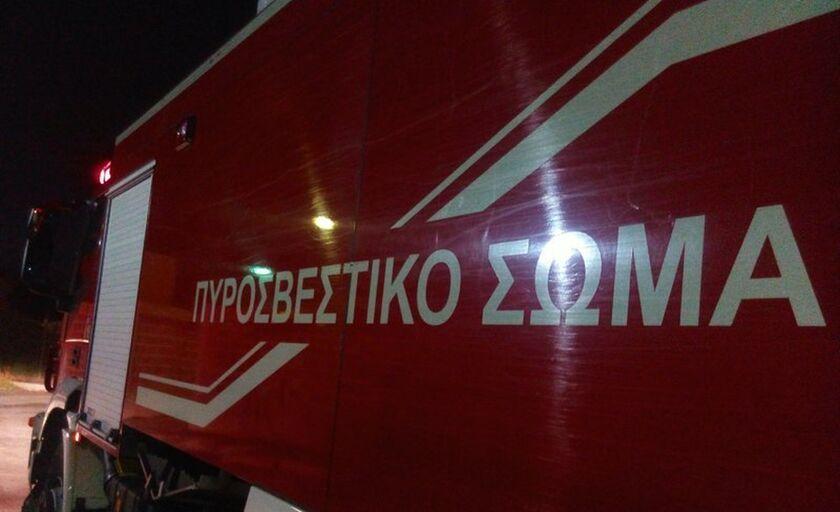 Σύγκρουση φορτηγού με λεωφορείο στη Μεταμόρφωση - Ένας τραυματίας