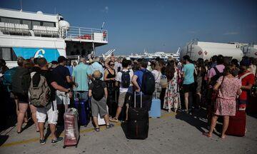 Λιμάνι Πειραιά: Αυξημένη κίνηση – Φεύγουν οι Αθηναίοι - Έρχεται το δυσκολότερο Σαββατοκύριακο
