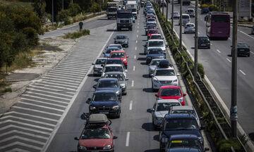 Ουρές χιλιομέτρων και ακινητοποιημένα οχήματα στην Αθηνών - Κορίνθου! (pics)