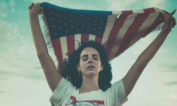 Looking For America: Το τραγούδι της Lana Del Rey για τις ένοπλες επιθέσεις στις ΗΠΑ