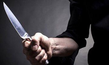 Απείλησαν μαγείρισσα με μαχαίρι επειδή ήταν συνδικαλίστρια! (vid)
