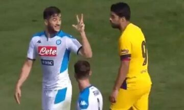 Μπαρτσελόνα - Νάπολι 4-0: Ο Μανωλάς έδειξε τρία δάχτυλα στον Σουάρες