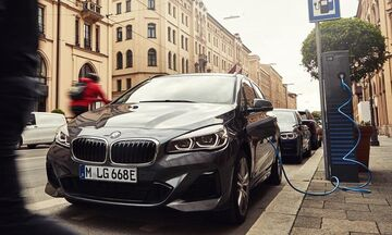 Βελτιωμένη BMW 225xe Active Tourer 1.5 λτ. 224 PS