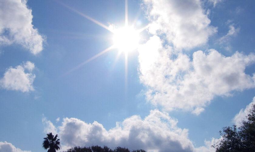 Καιρός: Αίθριος με παροδικές νεφώσεις - Μικρή άνοδος της θερμοκρασίας