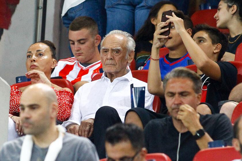 Δεν χαλάνε το... γούρι: Στο «Γ. Καραϊσκάκης» οι Τσοχατζόπουλος και Σταμάτη (pics)
