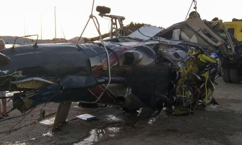 Moναδικό βίντεο: Η έκρηξη και η συντριβή του ελικοπτέρου στον Πόρο
