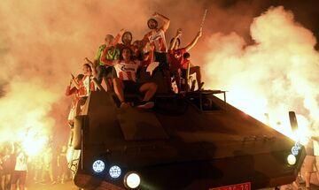 Oι οπαδοί του Ερυθρού Αστέρα παρέλασαν με θωρακισμένο στους δρόμους του Βελιγραδίου! (vid)