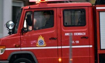 TΩΡΑ: Μποτιλιάρισμα στην εθνική οδό στο ύψος Ν. Φιλαδέλφειας από φωτιά σε λεωφορείο