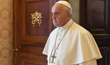 Βατικανό: Κλείστηκε στο... ασανσέρ ο Πάπας Φραγκίσκος