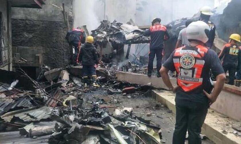 Φιλιππίνες: Συντριβή αεροπλάνου- Oκτώ νεκροί (vid)