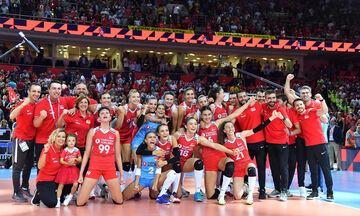 Ευρωβόλεϊ γυναικών  2019: Τουρκία-Σερβία στον τελικό  της Άγκυρας (pics)