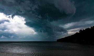 Καιρός: Άνεμοι 7 μποφόρ και τοπικές βροχές