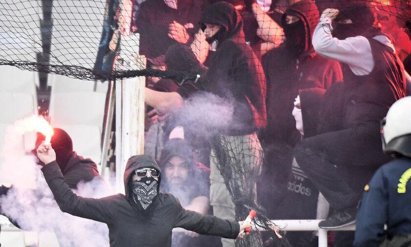 Επίθεση σε 16χρονους στη Θεσσαλονίκη – 100 χούλιγκαν επιτέθηκαν στη σχολή του Ολυμπιακού