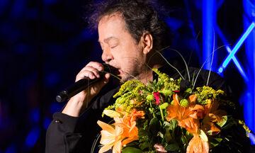 O Πάριος διέκοψε συναυλία του μετά από επεισόδιο με τον δήμαρχο Νεάπολης Συκεών (vid)