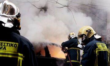Σύγκρουση φορτηγού με λεωφορείο στην Πέτρου Ράλλη - Απεγκλωβίστηκε τραυματισμένο ένα άτομο
