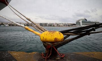 Δεν φεύγουν πλοία από Πειραιά και Λαύριο με 8-9 μποφόρ