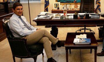 Αυγενάκης: Ανυπόστατο ρεπορτάζ. Ουδέποτε επιχείρησε να συναντηθεί κατ' ιδίαν με τον κ. Περέιρα