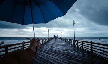 Καιρός: Βροχές, καταιγίδες και πτώση της θερμοκρασίας