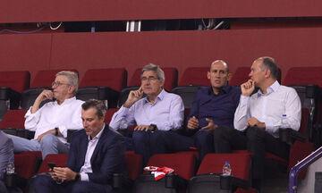 Ολυμπιακός - Ερυθρός Αστέρας: Στο ΣΕΦ παρέα με τους Αγγελόπουλους ο Μπερτομέου (pics)