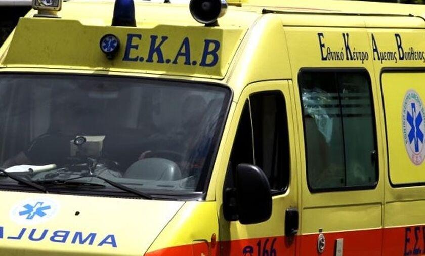 Νεκρός ο οδηγός αυτοκινήτου που έπεσε σε γκρεμό (pics)