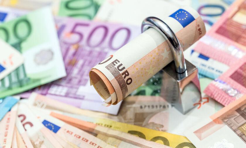 «Ξεμπλοκάρουν» οι τραπεζικοί λογαριασμοί για 300.000 οφειλέτες!