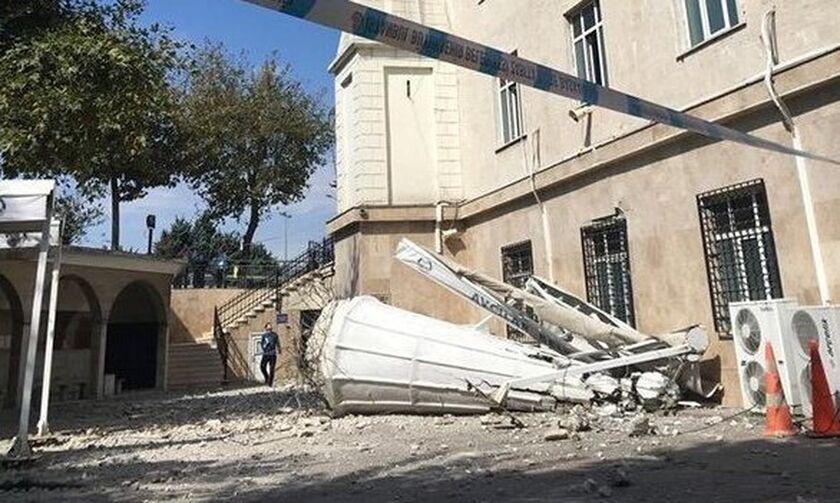 Σεισμός 5,9 Ρίχτερ στην Κωνσταντινούπολη - Kατάρρευση κτιρίου και μιναρέ (upd, pics, vid)