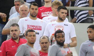 Oλυμπιακός:  Σύσσωμη η ομάδα μπάσκετ στο «Γεώργιος Καραϊσκάκης» (pics)