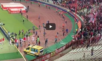 Ερυθρός Αστέρας - Ολυμπιακός: Οι φανέλες των Σέρβων στους Έλληνες οπαδούς (vid)