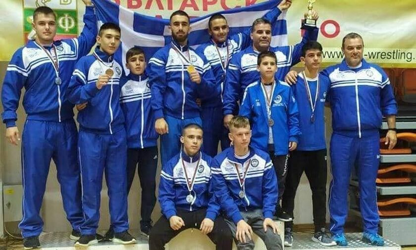Δώδεκα μετάλλια για τους Παμπαίδες στο Βαλκανικό πρωτάθλημα Πάλης