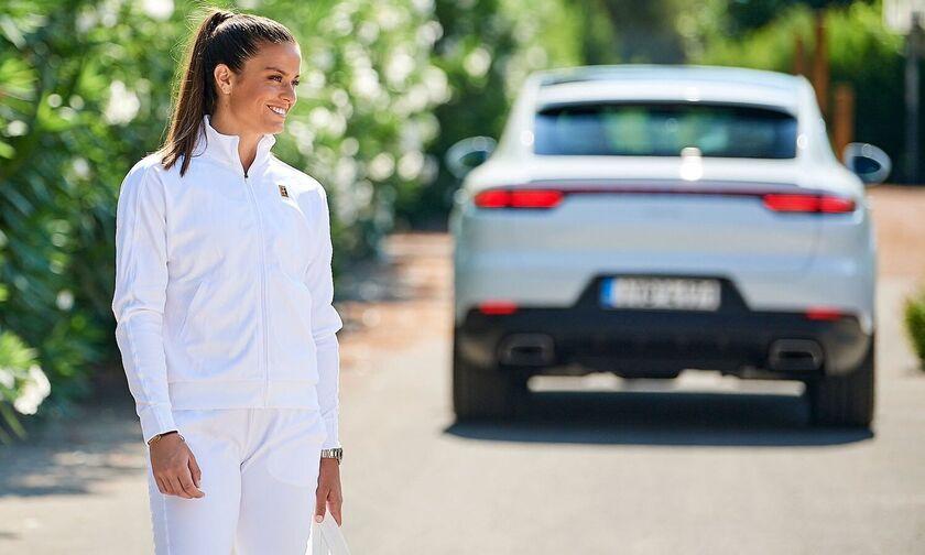 Με Porsche η Μαρία Σάκκαρη! (pics)