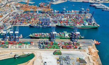 Αναβολή επένδυσης 300 εκατ. της Cosco στο λιμάνι του Πειραιά