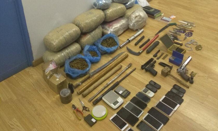 Εξάρθρωση σπείρας ναρκωτικών που δρούσε δίπλα στην ΑΣΟΕΕ! (pics)