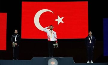 Οι Τούρκοι αθλητές χαιρετούν στρατιωτικά,  λόγω Συρίας! - Κίνδυνος τιμωρίας από την UEFA (pics, vid)