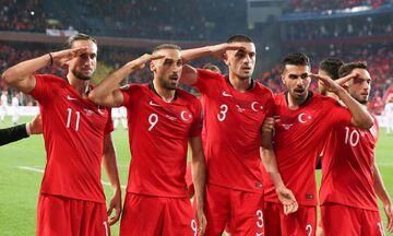 Το βίντεο της ντροπής: Οι Τούρκοι ποδοσφαιριστές χαιρετούν στρατιωτικά (vid)