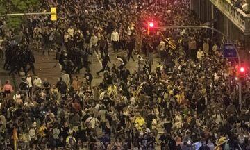 Τουλάχιστον 78 οι τραυματίες από τα επεισόδια στη Βαρκελώνη