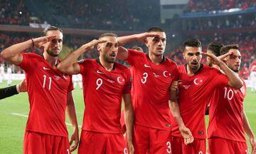 Οι πολεμοχαρείς Τούρκοι, το πανό του Ολυμπιακού και τα μειωμένα αντανακλαστικά της UEFA